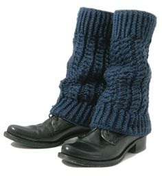 Guêtres Cameron : Laine › Chaussettes / Guêtres › Accessoires › Laines Bouton d'Or Fashion Shoes, Fashion Outfits, Natural Clothing, Winter Accessories, Crochet Designs, Leg Warmers, Crochet Projects, Couture, Uggs