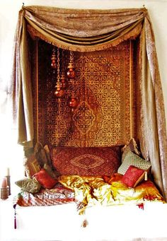 Moroccan style nook ... This looks so comfy!!