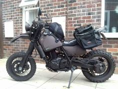 image - Motocycle Pictures and Wallpapers Bmw Scrambler, Motorcycle Camping, Scrambler Motorcycle, Moto Bike, Motorcycle Style, Motorcycle Outfit, Cool Motorcycles, Vintage Motorcycles, Motos Retro