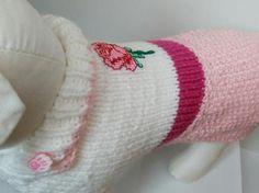 Ručne pletené Luxusné šaty s výšivkou ruže