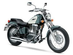 Browse and research the latest Suzuki cruisers and standards in our 2020 cruiser motorcycle buyer's guide. Find the best cruiser for you. Suzuki Motos, Scrambler Motorcycle, Cruiser Motorcycle, Suzuki Bikes, Bmx Bikes, Motorcycles For Sale, Kawasaki Vulcan 500, Beginner Motorcycle, Motorcycle Manufacturers
