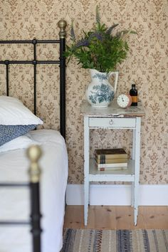 For Interior Design Country Decor, Farmhouse Decor, Home Bedroom, Bedroom Decor, Bedroom Ideas, Design Retro, Ikea Us, French Country Bedrooms, Bedroom Vintage