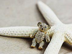 Broche en alliage plaqué or 18k et cristal par Xusflu sur Etsy Plaque, Cufflinks, Etsy, Rings, Accessories, Jewelry, Crystal, Gold Plating, Unique Jewelry