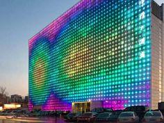 GreenPix Zero Energy Media Wall, na China, é um mega monitor com 2 mil LEDs carregados com energia solar