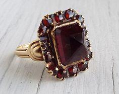 Antique Ring/Edwardian Ring/Bohemian Ring/Garnet Ring/Gold Ring/10Kt Ring/10kt Gold Ring/Size 5/Statement Ring/Stone Ring/Pyramid Ring
