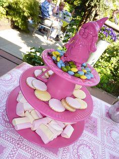 cakestand pink