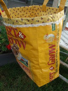 Big Yellow Chick Starter Feed Sack Tote - Up cycled feed bag -. I love that this one is lined so cute ♥ Feed Bag Tote, Feed Sack Bags, Sewing Crafts, Sewing Projects, Dog Food Recipes, Big Yellow, Purses And Bags, Totes, Etsy