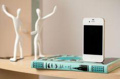 iPod dock...turquoise again.