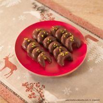 Kekse selber backen - feine Rezepte für Weihnachtskekse - alle Einträge | Kochen… Sausage, Meat, Food, Baking Cookies, Pistachios, Strawberries, Oven, Sausages, Essen