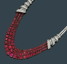 #Diamond_necklace #girls_necklace #necklace #girls_fashion #pearls. For more photos:- www.alliswall.com/