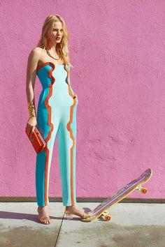 Tommy Ton Fashion Shoot – Tommy Ton Street Style Fashion Editorial – Harper's BAZAAR Source by sammyplouff Bold Fashion, Modern Fashion, Fashion Women, Fashion Trends, London Fashion, Fashion 2018, Fashion Line, Fashion Colours, Retro Fashion