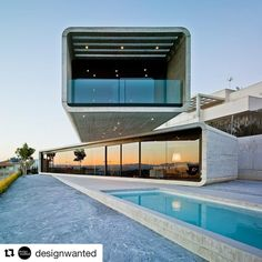 #Repost @designwanted with @repostapp  Wonderful concrete cantilever house! Crossed House by Clavel Arquitectos La Alcayna Murcia #Spain  _____  Daily inspiration on @designwanted [207k] Visit http://ift.tt/2aFZC8w  Owners | Tag #designwanted FREE BONUS  Click link in bio  _____  #design #art #designer #artist #contemporaryart #creative #archidaily #archilovers #architecture #arquitetura #architect #urbandesign #concrete #building #skyscraper #city #arquitectura #architektur #street…