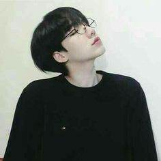 Image in Ulzzang (only boys) collection by zyzyfangirl Cute Asian Guys, Cute Korean Boys, Asian Boys, Asian Men, Cute Boys, Asian Girl, Korean Boys Ulzzang, Korean Men, Ulzzang Girl