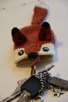 Foxy key cozy by Susanne Madsen free crochet pattern