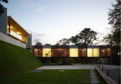 SPBR Architects 'Casa em Santa Teresa' in Rio. http://www.spbr.arq.br