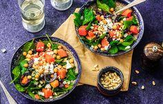 Pompoensalade I Love Food, A Food, Lunch Restaurants, Edamame, Bruschetta, Cobb Salad, Side Dishes, Salads, Dinner