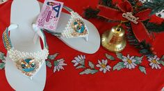 Chinelo decorado com piercing coruja e pérolas  Lenne artesanato  Lenne bijoux
