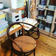 This is what happens when I try to have a #chair-free day. #canespotting #thonetchairs in the bookshop