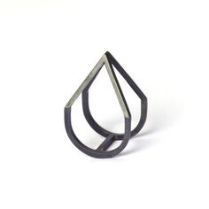 Elisa Lee: Pyramid Ring Oxidised, at 6% off!