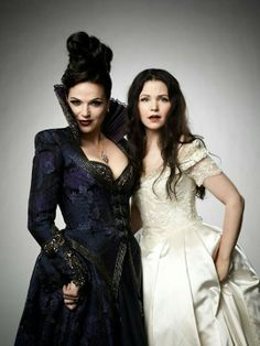 The Evil Queen (Lana Parilla) and Snow White (Ginnifer Goodwin); Once Upon A Time. #OUAT
