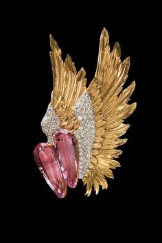 Verdura gold Winged brooch featuring pink topaz and diamonds, circa 1938