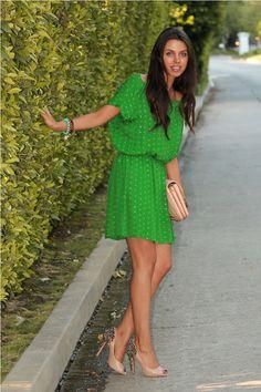vestido con banda verde
