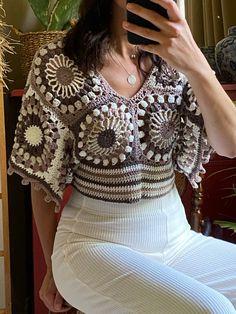 Blouse Au Crochet, Motif Bikini Crochet, Crochet Crop Top, Festival Tops, Festival Wear, Festival Outfits, Top Roman, Top Photos, Crochet Buttons