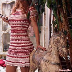 Очень понравилось это платье, но не могу разобрать может кто поможет!!! есть еще юбка похожим узором С миру по нитки схемки!!!