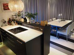Uusi Skovby ruokapöytä ja Woodnotes Avenue-matto, sisustus, Vepsäläinen, sisustussuunnittelu, interior design