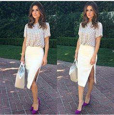 Printed blouse & high-slit pencil skirt
