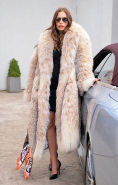 Chinchilla, Fur Fashion, Winter Fashion, Womens Fashion, Fashion Dolls, Long Fur Coat, Fox Coat, Langer Mantel, Fabulous Furs