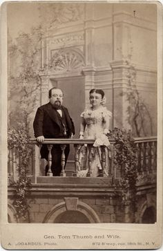 Gen. Tom Thumb and Wife - http://www.vintag.es/2015/01/40-vintage-studio-portraits-with-creepy.html