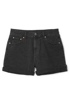 This is a pair of 5-pocket shorts in black. They have a small amount of stretch and have a zipper closure with a button on the waist. In a size small these shorts measure 76 cm around the waist and have a 13 cm inseam (when the leg is unrolled).