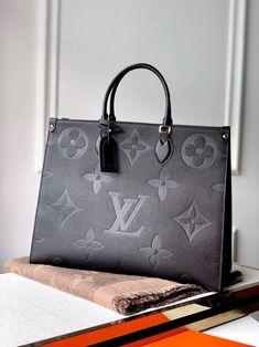 Luxury Purses, Luxury Bags, Luxury Handbags, Purses And Handbags, Stylish Handbags, Cheap Handbags, Cheap Bags, Louis Vuitton Nails, Sacs Louis Vuiton