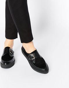 Изображение 1 из Остроносые туфли на плоской подошве ASOS MOMENTO