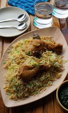 Authentic Bombay Chicken Biryani recipe from Mumbaikars Veg Recipes, Easy Chicken Recipes, Indian Food Recipes, Cooking Recipes, Indian Foods, Indian Snacks, What's Cooking, Delicious Recipes, Recipes