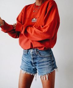 10 Cute Fall Outfits To Wear To Class Red is going to be a huge trend for this fall season. From sweaters to boots, here are the top 10 cute fall outfits to wear to class! Trendy Summer Outfits, Cute Fall Outfits, Short Outfits, Spring Outfits, Casual Outfits, Outfit Summer, Summer Wear, Casual Shorts, Hipster Outfits