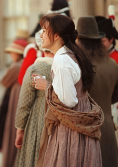 Shared by Isabella L. Find images and videos about keira knightley, pride and prejudice and jane austen on We Heart It - the app to get lost in what you love. Sr Darcy, Pride & Prejudice Movie, Jane Austen Movies, Elizabeth Bennet, Movie Costumes, Keira Knightley, Costume Design, Celebs, Actors
