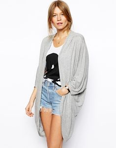Discover women's t-shirts and tanks with ASOS. Shop the range of camis, print and graphic t-shirts & tanks, going out shirts and long sleeve t-shirts with ASOS. Asos Kimono, Work Shirts, Summer Wear, Top Sales, Fashion Online, Ideias Fashion, Camisole Top, Women Wear, T Shirts For Women