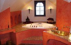 Ambiance tadelakt dans la salle de bains, comme au Maroc... www.deco.fr