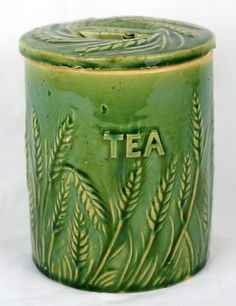Antique Hull Green Wheat TEA Canister w/ Lid Pottery Stoneware Old Mccoy Pottery Vases, Hull Pottery, Glazes For Pottery, Pottery Art, Vintage Bowls, Vintage Green, Vintage Kitchen Decor, Kitchen Art, Kitchen Tools