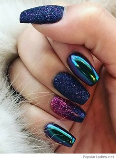 Nails with glitter and colors