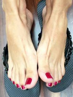 hot pretty toes!