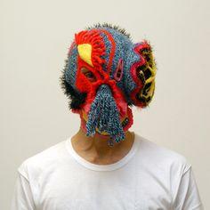 L'artiste italien Aldo Lanzini s'amuse à créer ces cagoules.