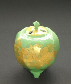 by National Living Treasure, Minori Yoshita. #JapaneseDecorativeArt