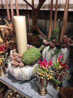 Bang & Thy │ Eksklusiv blomsterkunst i hjetet af Århus ⚶ Flower Shops, Nature Decor, Xmas, Christmas, Floral Arrangements, Advent, Candles, Inspiration, Homemade