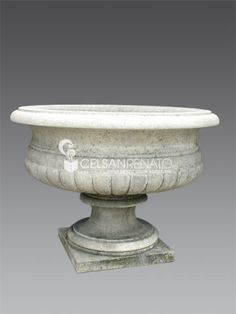 reproduce vases, finials and in Vicenza stone. Garden Ornaments, Urn, Vases, Planter Pots, Stone, Decor, Gardens, Rock, Decoration
