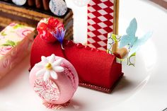 Delicious Butterfly Bloom pastry from The Langham's new afternoon tea with Wedgewood, click link for more and how to book online.