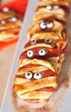 Dennis busted me checking out this pin and now he's hoping I'll make these pumpkin cream cheese mummy cookies... I think I'll surprise him tomorrow! #HotelT2