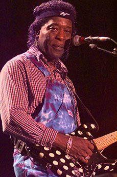 Buddy Guy naît en 1936 en Louisiane. En sortant d'un concert de Lightnin' Sam, il fabrique lui même sa première guitare. Il a alors 16 ans et s'initie au blues.  En 1957, il monte à Chicago et commence à tourner avec Otis Rush, Willie Dixon, Ike Turner et Magic Sam.  1960     Débute une collaboration avec les frères Chess, quelques chef d'œuvre en sortiront, First time I met the Bues, I got my eyes on you, Stone crazy. Il enregistre aussi avec Little Walker, Sonny Boy Williamson, Koko Taylor…